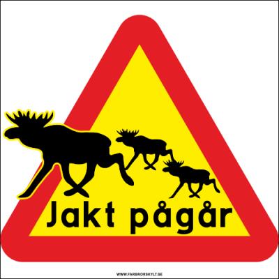 """Skylt """"Jakt Pågår"""" Älg med en grupp älgar i siluett på en varnigstriangel i gult och rött."""